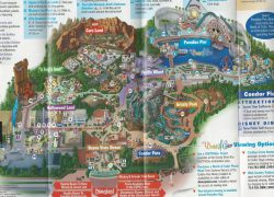 California adventure map from themeparkreview 10